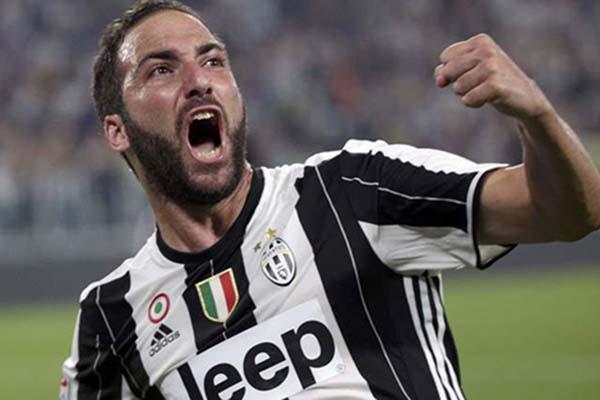 Juventus Menangkan Derby Turin atas Torino 3-1