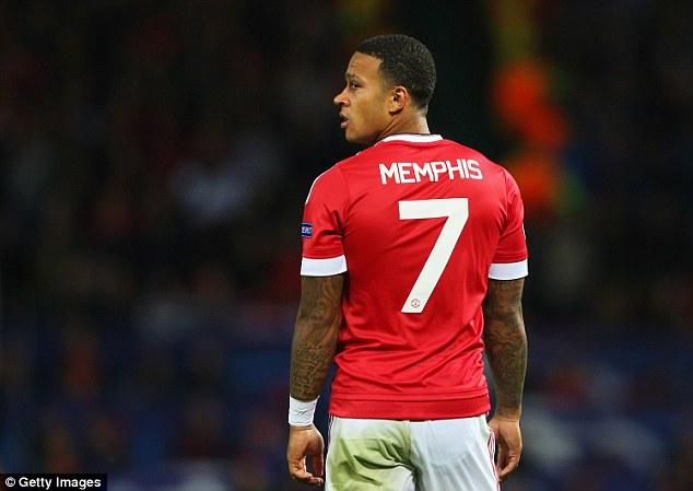 Resmi ! Manchester United Lepas Memphis Depay