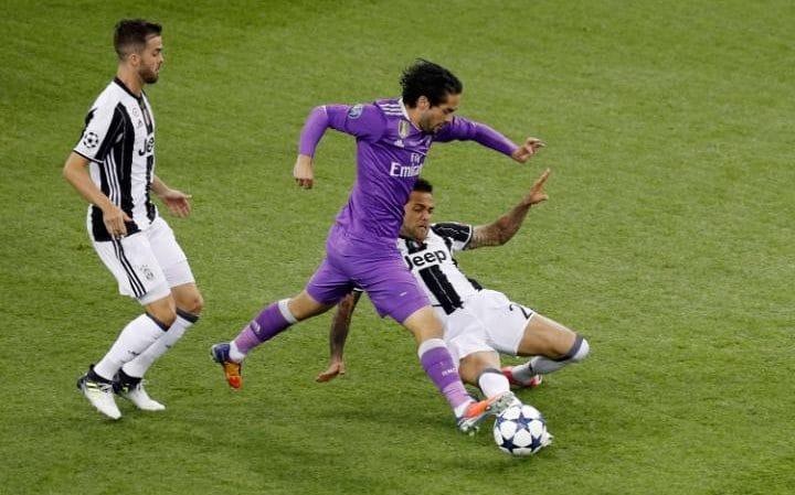 Wuih!!Isco Beri Isyarat Bertahan Di Real Madrid Lebih Lama