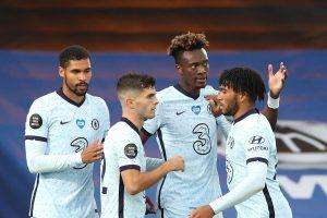 Chelsea Mencukur Crystal Palace