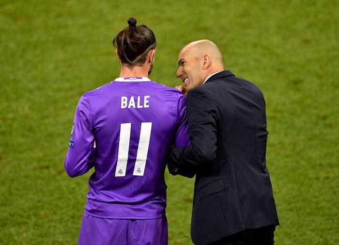 Bale vs Zidane Batal Dijual dan Dicadangkan